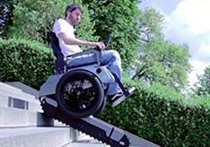 Handige_rolstoel_kan_traplopen.jpg