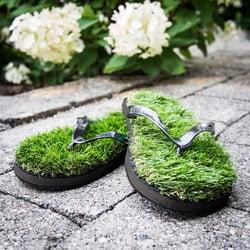 Grass flip flop summer 2019